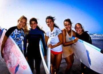 Gruppenbild des Surfkurses