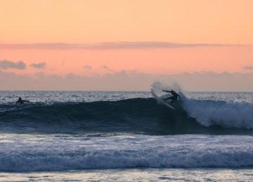 Surfer in Wellen