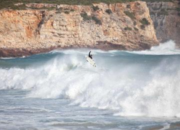 Surfer in der Welle