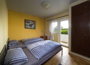 Zwei Einzelbetten in einem Zimmer