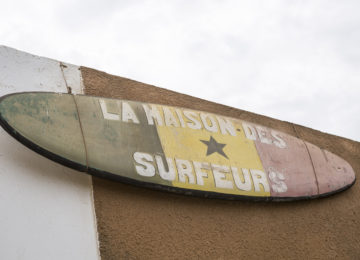 Surfboard sign as sign