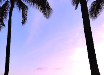 Kitschiger Sonnenuntergang auf Hawaii