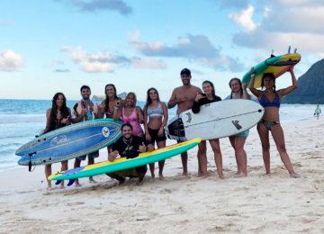 Gruppenbild am Surfstrand
