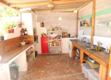 Outdoor kitchen at Arrifana Camp