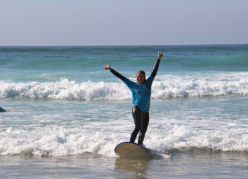 Guest rejoices in her wave