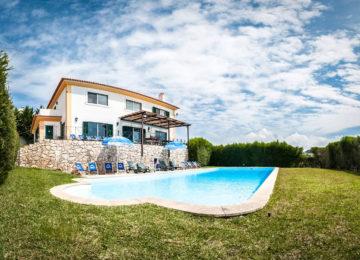 Pool und Surfhaus
