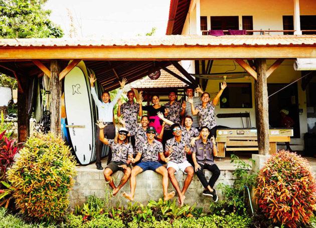 Surfcamp Team vor dem Camphaus