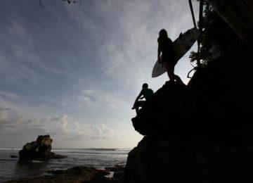 Surf dawn patrol auf Bali