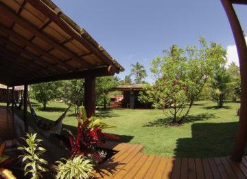Garten des Bahia Surfcamps