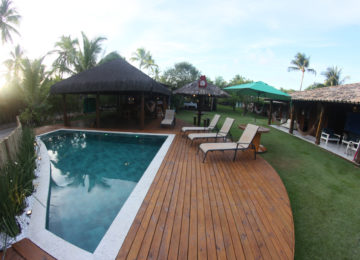 Pool im Bahia Surfcamp in Brasilien