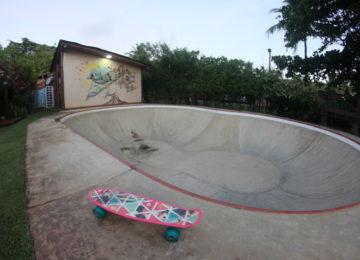 Skatebowl mit Cruiser