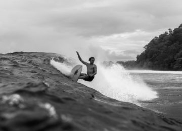 Turn in perfect Indo Surf conditions