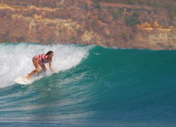 Surferin vom Symbiosis Surfcamp Lombok