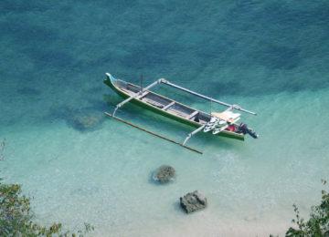 Surfboat Lombok Indosien