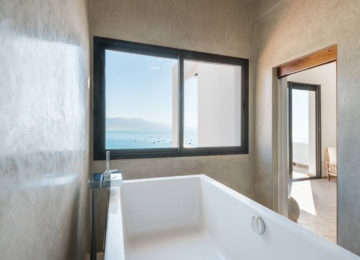 Bathroom with a view of the sea