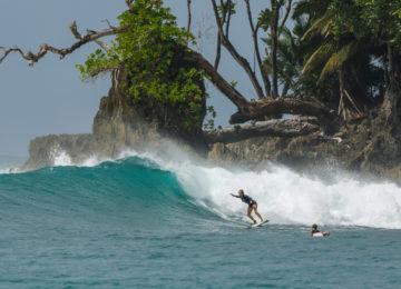 Island Surf Mentawais und Banyaks