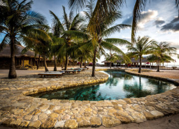 Pool im Nemberala Beach Resort