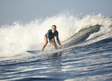 Happy Surferin Simone Lacher