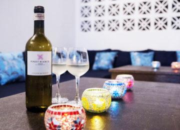 Weisswein mit Kerzen