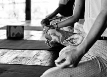 Yoga Session auf Simeulue Island