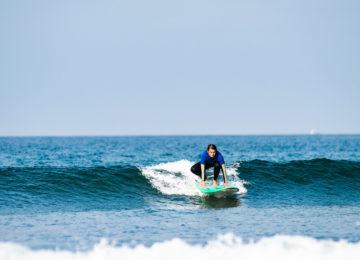 Beginner surfer at the pop-up