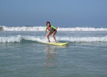 Gast surft erste Welle