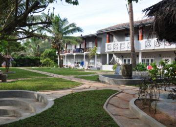 Haupthaus mit Garten in Ahangama