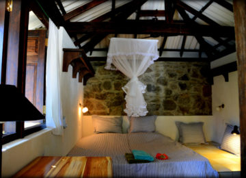 Double room with double bed in Arugam Bay