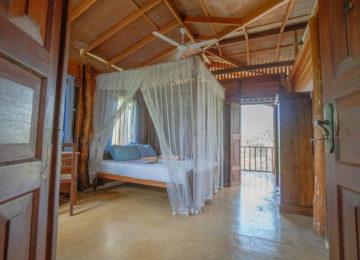 Privates Doppelzimmer mit Klimaanlagen und Balkon