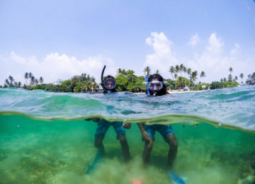 Surf guides while snorkelling in Mirissa