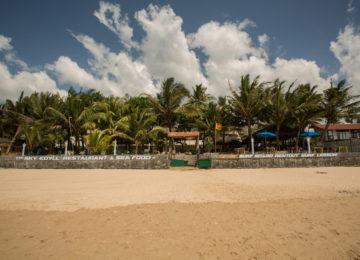 Front Ansicht aufs Sri Lanka Sufcamp