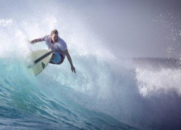 Maldives Surfers