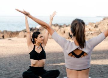 Yoga auf Sao Miguel im Black Sand Surfcamp