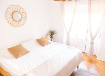 Bright double room in Lisbon