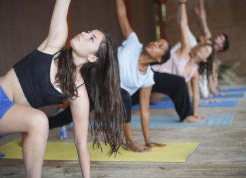 Yoga im Moana Surfcamp